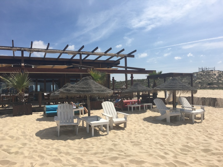 Comporta Café's lounge in the sand | My Home With a View
