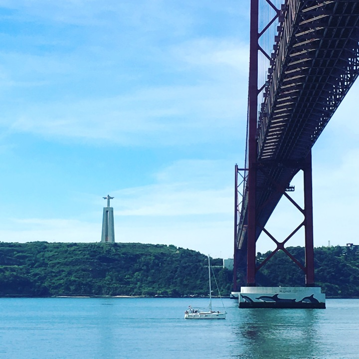 Running in Lisbon - By the river, below the 25th April Bridge