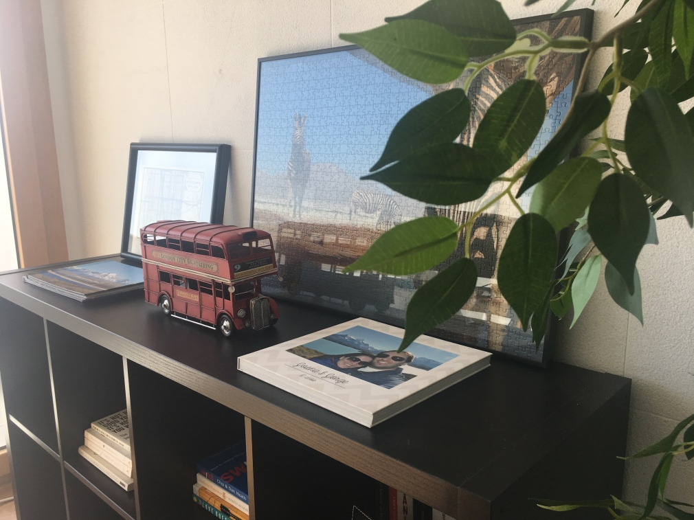 Home Office detail, Bookshelf | My Home With a View