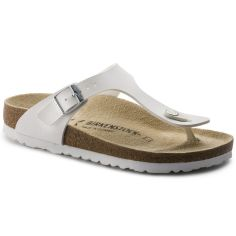 White Gizeh Birkenstock for the summer